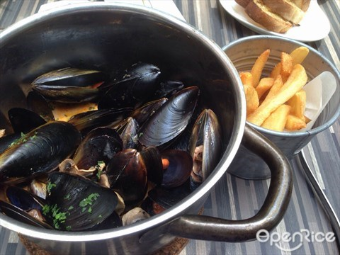 Mussels in Lobster Bisque
